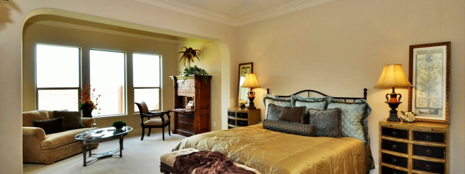 Master Bedroom, Serenade